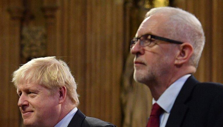 Solījumi atcelt 'Brexit' un pārmetumi: Lielbritānijas pirmsvēlēšanu šovs uzņem apgriezienus