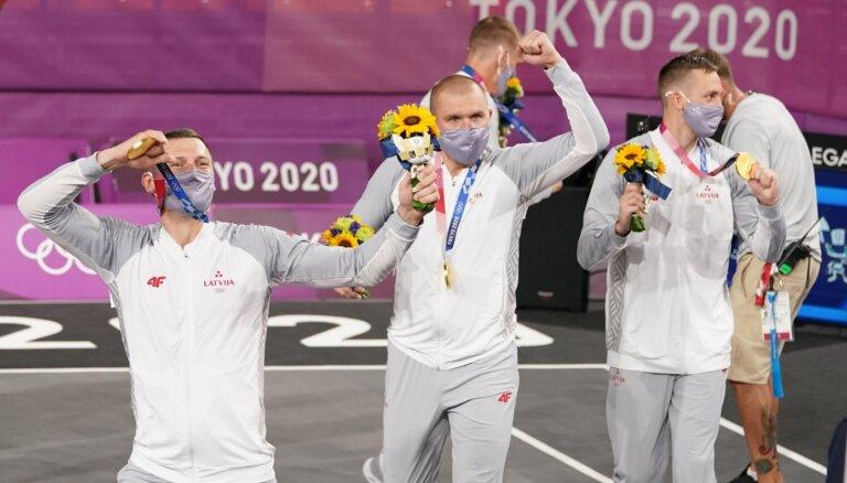 Visa Latvija ir pelnījusi šīs zelta medaļas – 3x3 basketbolisti gavilē par sūrā darbā izcīnīto titulu
