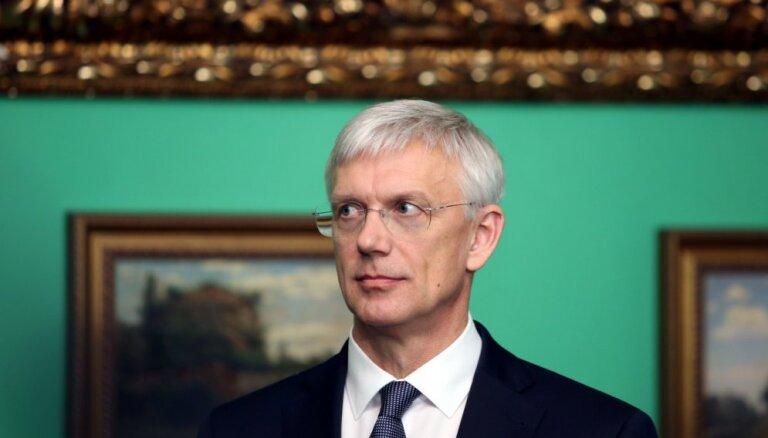 Opozīcijas demisijas pieprasījums izjauc Kariņa plānus doties uz 16+1 samitu