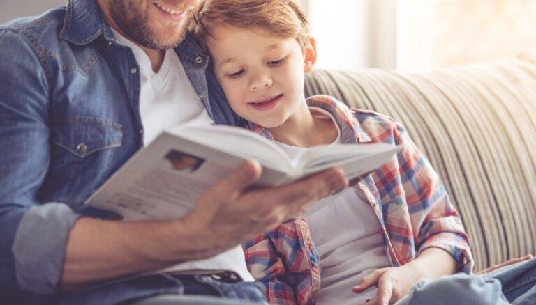 Ģimenes ar bērniem aicina iesaistīties lasīšanas veicināšanas projektā