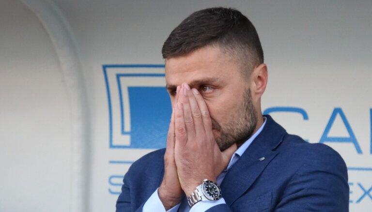 """""""Дайте нам работать!"""" Латвийские футбольные клубы устроили совместный протест против изоляции"""