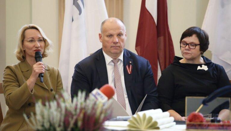 Vērienīgs salūts un koncerti – kā svinēsim Latvijas valsts simtgadi