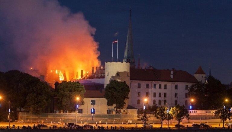 Дело о пожаре в Рижском замке передано прокуратуре