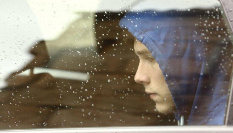 Pētījums: ceturtā daļa jauniešu Latvijā jūtas vientuļi un nomākti