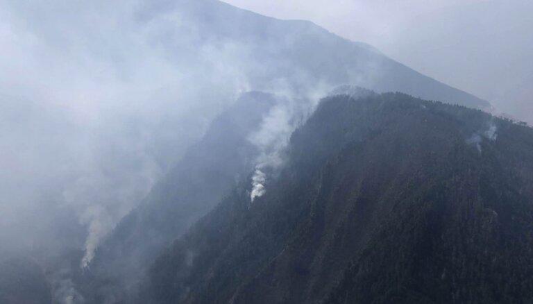 Meža ugunsgrēkā Ķīnā gājuši bojā 30 ugunsdzēsēji