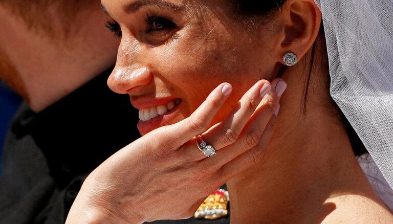Королева запретила Меган Маркл надевать российские изумруды