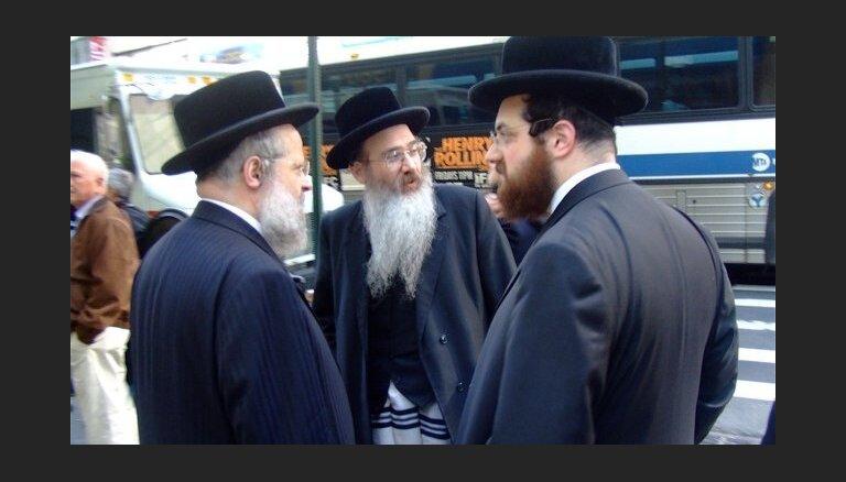 Власти Франции призывают евреев не покидать страну