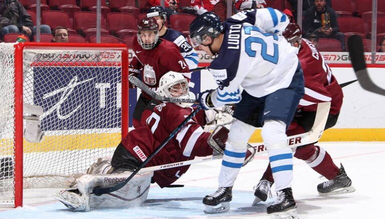 Сборная Латвии уступила экс-чемпионам мира с минимальным счетом