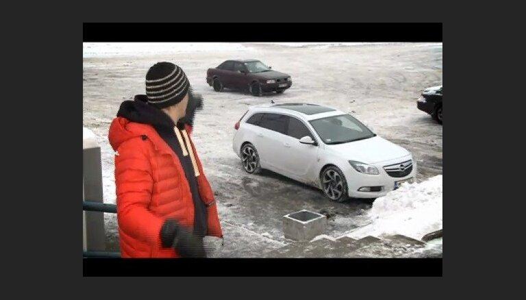 'Zebra' testē 'Opel Insignia'