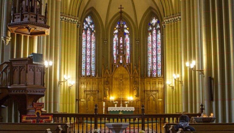 Svinēs Rīgas Vecās Sv.Ģertrūdes baznīcas 150. jubileju