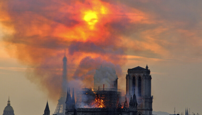 Aprit gads kopš Parīzes Dievmātes katedrāles ugunsgrēka
