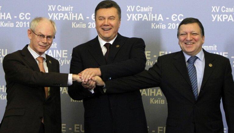 """Саммит """"Восточного партнерства"""": ЕС ждет от Януковича """"последнего слова"""""""