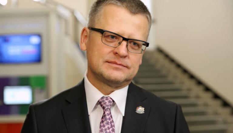 Министр здравоохранения Белевич, возможно, обошел очередь в Центре онкологии