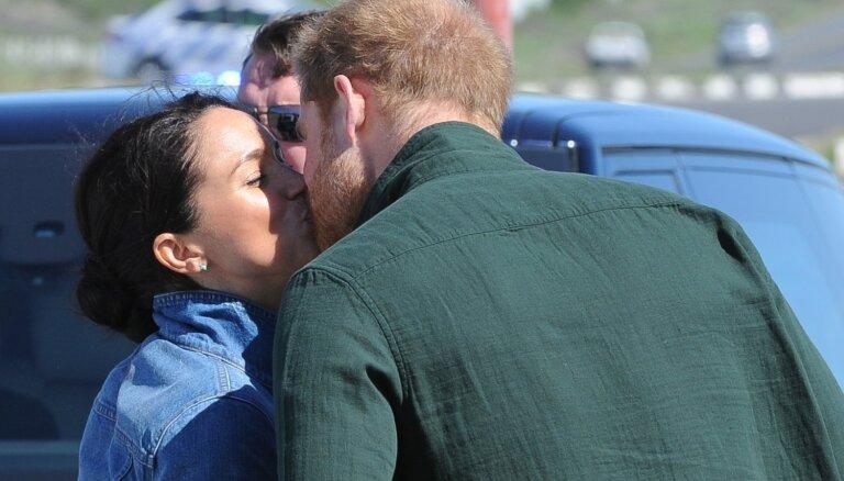 ФОТО: В СМИ попал трогательный поцелуй принца Гарри и Меган Маркл