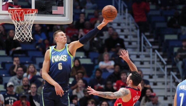 'Mavericks' īpašnieks: Porziņģis, pat negūstot punktus, pozitīvi ietekmē spēles