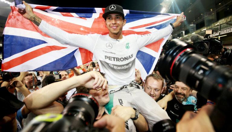 Hamiltons F-1 posmā Meksikā izcīnījis piekto čempiona titulu
