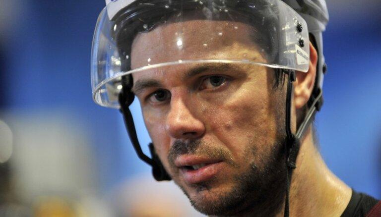 Ветеран латвийского хоккея продлил еще на год контракт с клубом