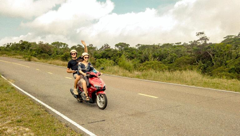 Pārdot teju visu iedzīvi un doties dzīves lielajā ceļojumā: mugursomnieku Baibas un Emīla stāsts