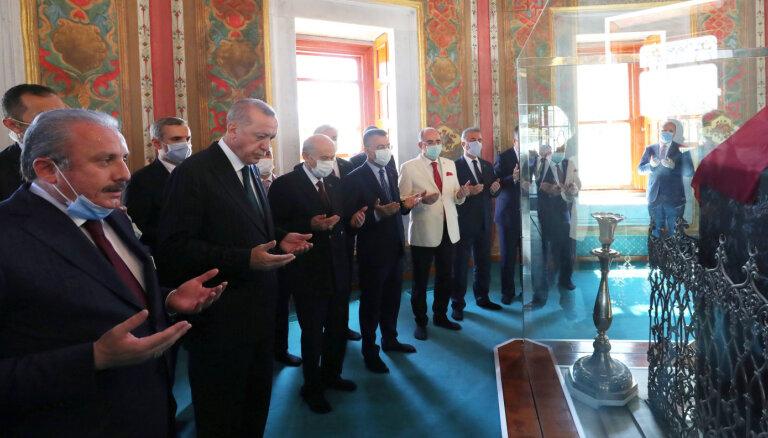Erdogans vēl vienu Bizantijas dievnamu liek pārvērst par mošeju