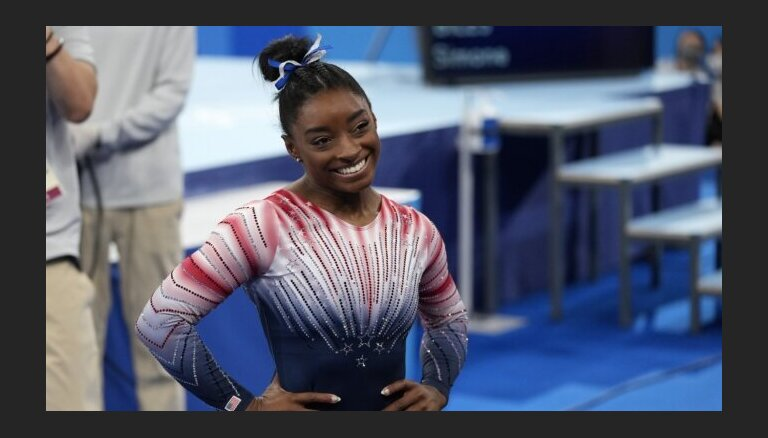 Американская гимнастка Байлс пришла в себя и взяла бронзу на бревне