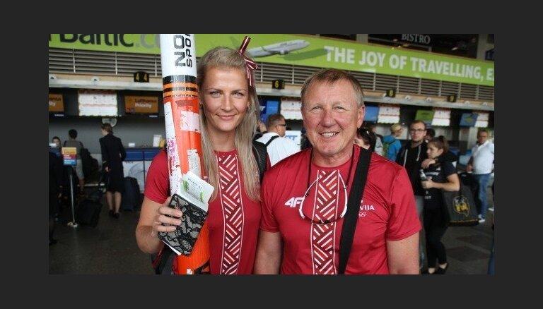 Foto: Latvijas olimpiskās cerības Palameika un Plēsnieks dodas uz Rio