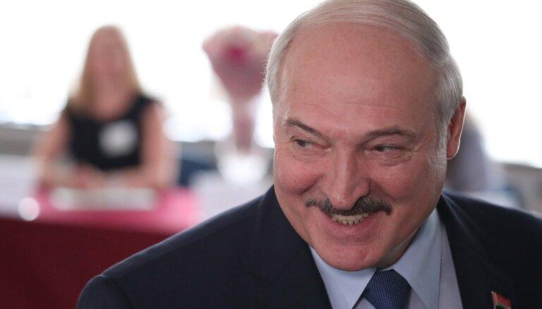 Глава дипломатии ЕС открыто назвал Лукашенко диктатором