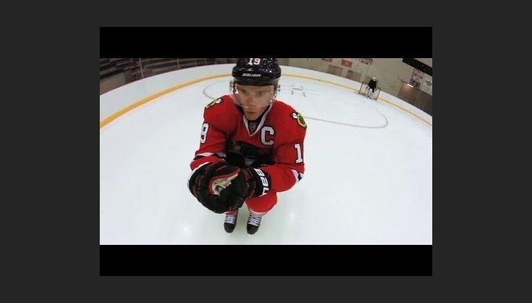 Video: Treniņš kopā ar NHL zvaigznēm Tēvzu un Keinu