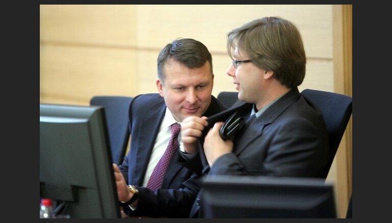 Lamāšanās, Zolitūde un valodas referendums – kā līdz šim šūpots Ušakova krēsls