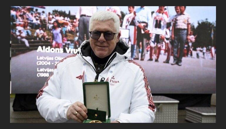 Bijušais LOK prezidents Vrubļevskis no SOK saņēmis Pjēra de Kubertēna medaļu