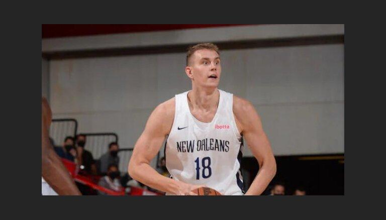 Pasečņiks palīdz 'Pelicans' gūt kārtējo uzvaru; Timmam divi precīzi tālmetieni
