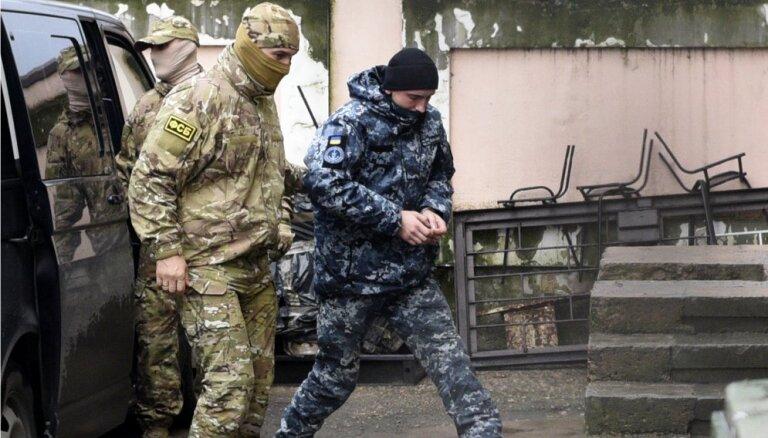"""Командующий ВМС Украины написал письмо задержанным Россией """"братьям"""""""