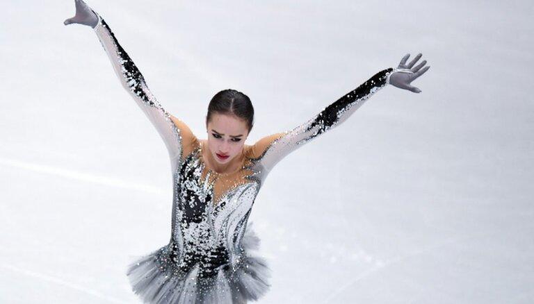 Загитова тренирует парное катание в шоу Навки