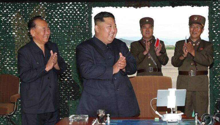 Kims uzraudzījis jaunas Ziemeļkorejas raķešu palaišanas iekārtas izmēģinājumu