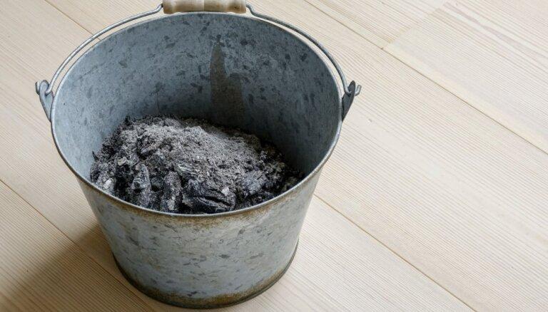 Granulu un kūdras brikešu pelni: vai tos var izmantot dārzkopībā