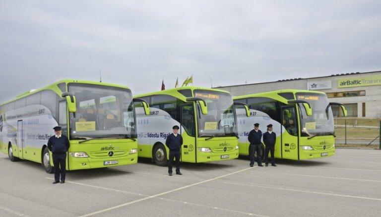 ФОТО: Начали работать бесплатные автобусы airBaltic