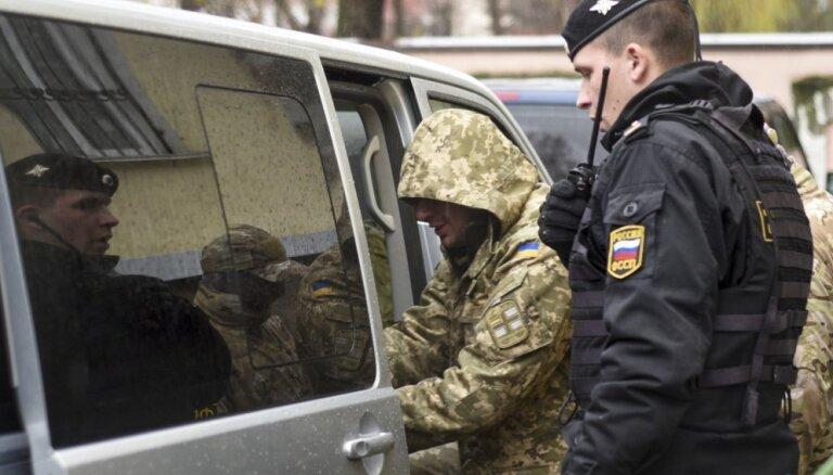 ECT Krievijai pieprasa ziņas par sagūstīto Ukrainas jūrnieku stāvokli