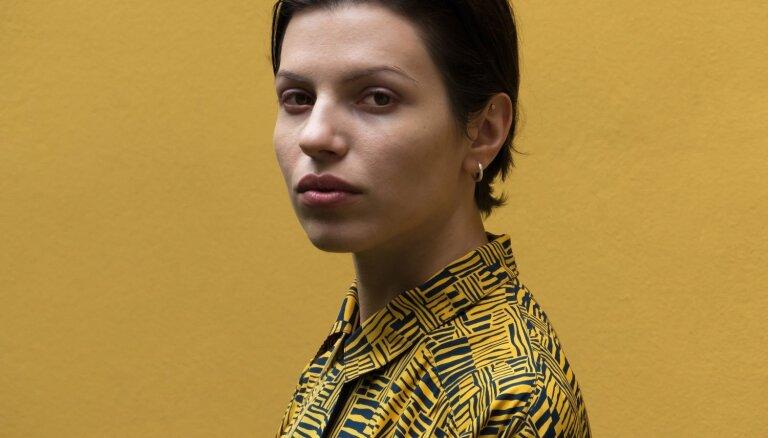 Koncertzālē 'Latvija' uzstāsies austriešu mūziķe 'Soap&Skin'