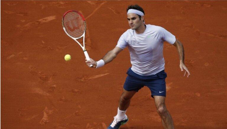 Federeram graujoša uzvara Francijas atklātā čempionāta otrās kārtas mačā