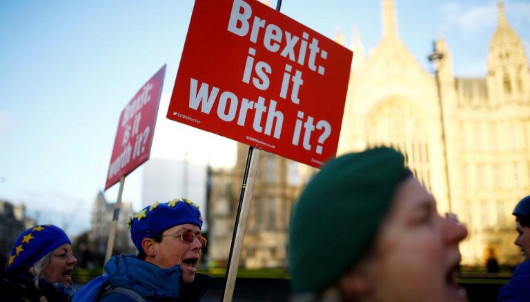 Pazīstami vācieši mudina britus pārskatīt lēmumu par 'Brexit'