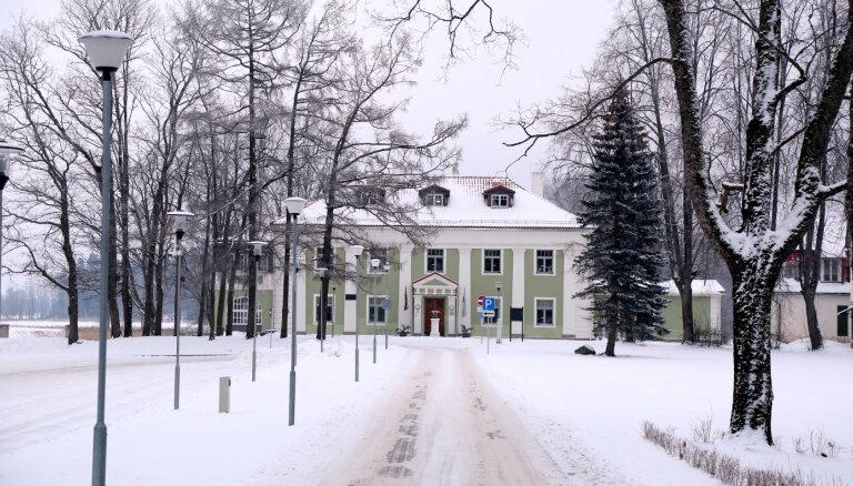 В Алуксне образовался снежный покров высотой 9 см