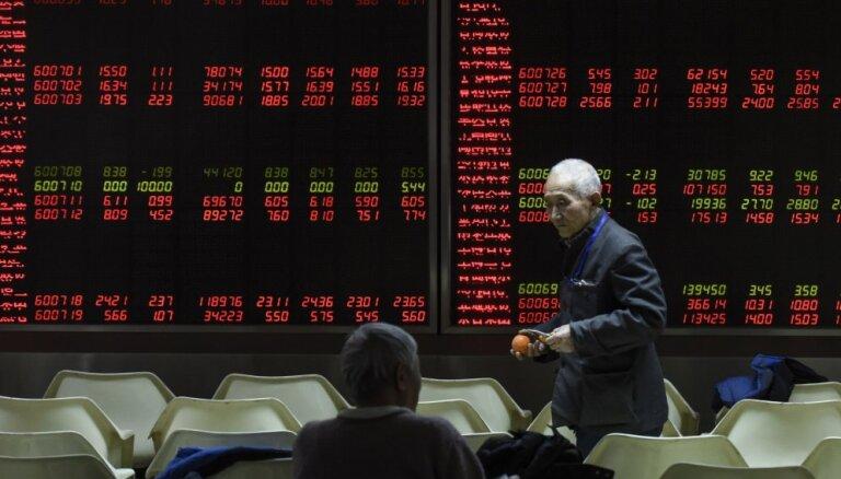 Biržu indeksi turpina sarukt gan ASV, gan Eiropā
