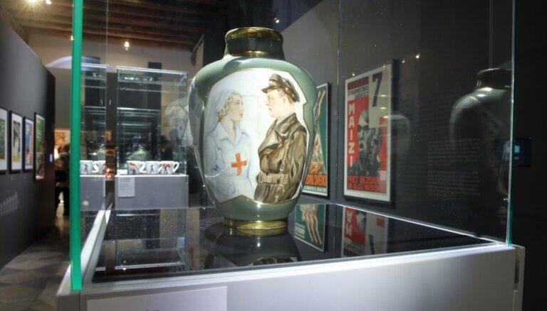Foto: Atklāta Latvijas dizaina vēsturei veltīta izstāde
