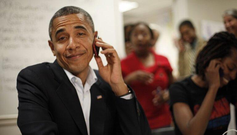 Baraks Obama atceļ 'iPhone' un 'iPad' realizācijas aizliegumu ASV