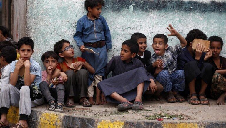 ANO no bērnu tiesību pārkāpšanas melnā saraksta izsvītro Saūda Arābijas koalīciju Jemenā