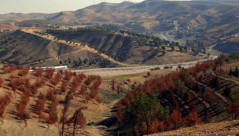 Irāka lūdz Turciju cīņā ar kurdu kaujiniekiem neizcirst tās mežus