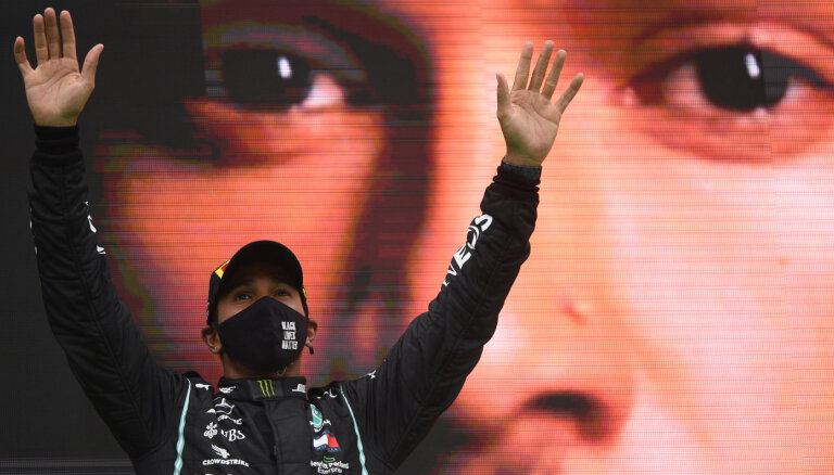 """""""Не мечтал о таком успехе"""": Хэмилтон побил вечный рекорд Шумахера"""