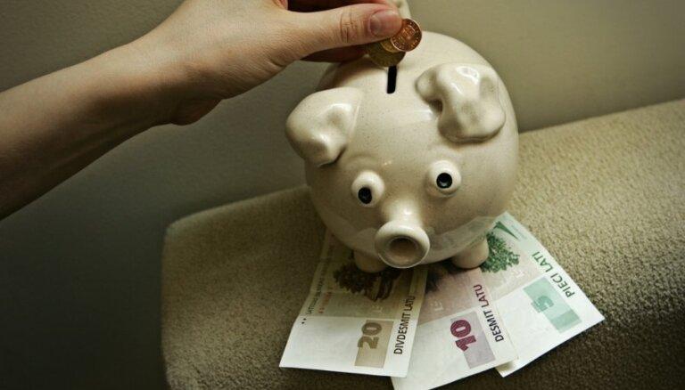 Большинство пенсионных вложений в Латвии – без доходов