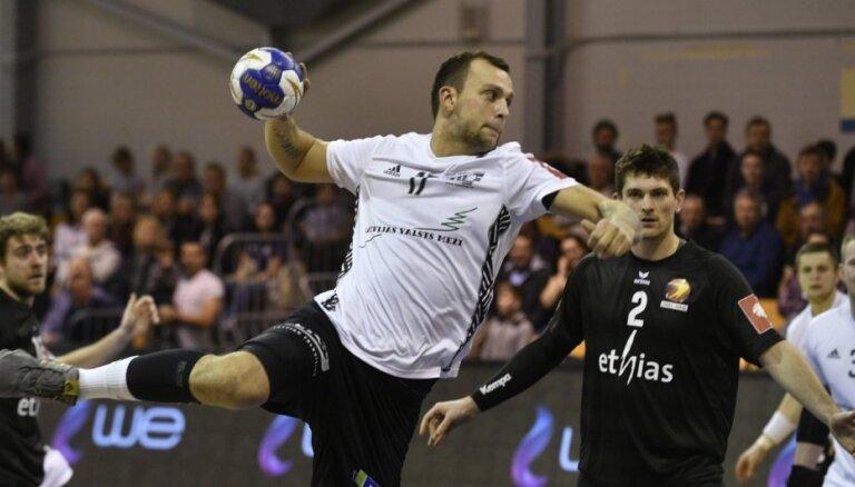 Latvijas handbolists Kreicbergs pievienojas Čempionu līgas klubam