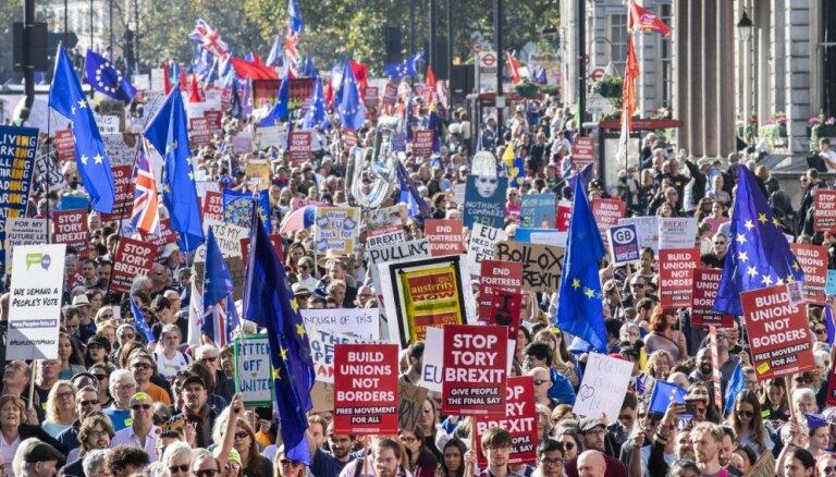 """Лондон против нового референдума по Brexit, так как он """"обострил бы разногласия в обществе"""""""