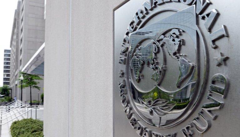 МВФ: низкие цены на нефть полезны мировой экономике и опасны для России